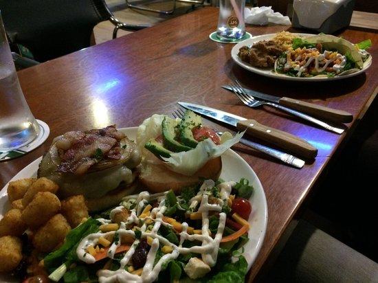 Sharky's Bar and Grill 1 : Avocado Bacon & Tacos
