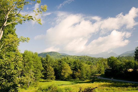 The Inn at Thorn Hill & Spa: View from Porch