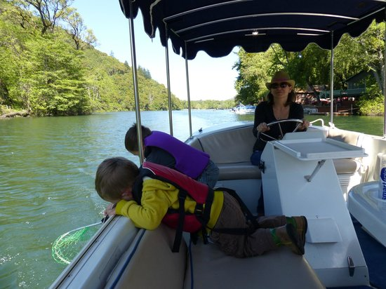 The Lodge at Blue Lakes : Boating around the lake