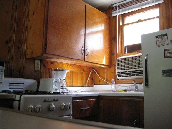 Silver Saddle Motel: Cabin - Interior