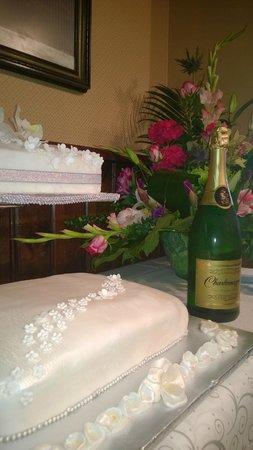The Providence Inn: Wedding Cake