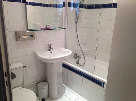Hôtel Malar: Bathroom