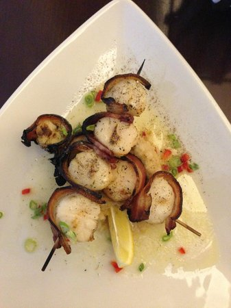 Harrison's Wine Grill & Catering: Bacon Wrapped Scallops
