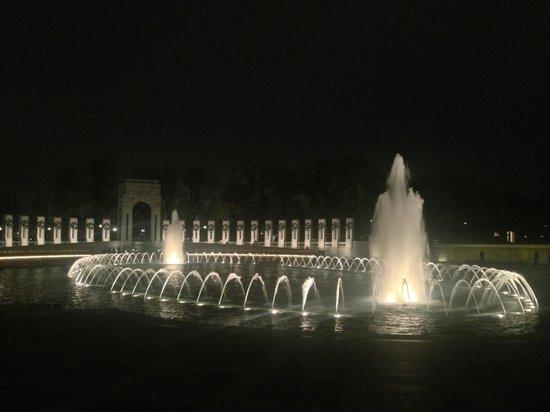 National World War II Memorial: water feature