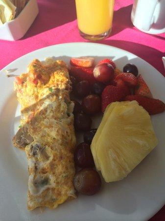 Temptation Resort Spa Cancun: Buffet breakfast