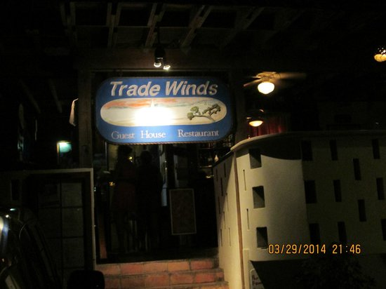 Trade Winds Guesthouse: Entrance