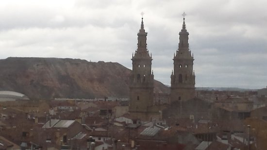 Hotel Bracos: vistas logroño a la catedral