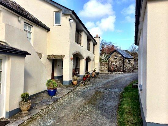 Woodhill House: Outside accommodations