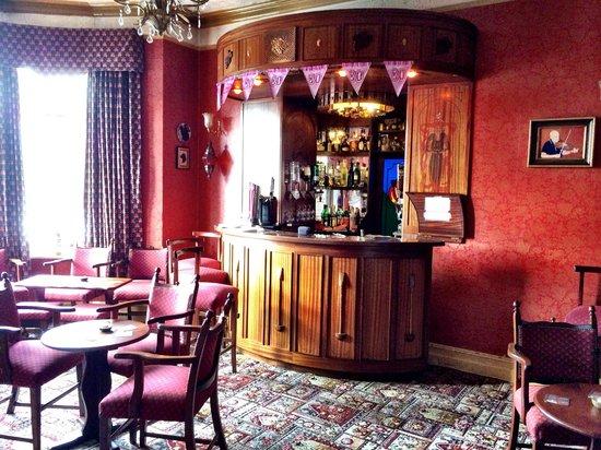 Woodhill House: Amazing bar