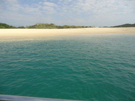 Dreams Huatulco Resort & Spa: Private beach
