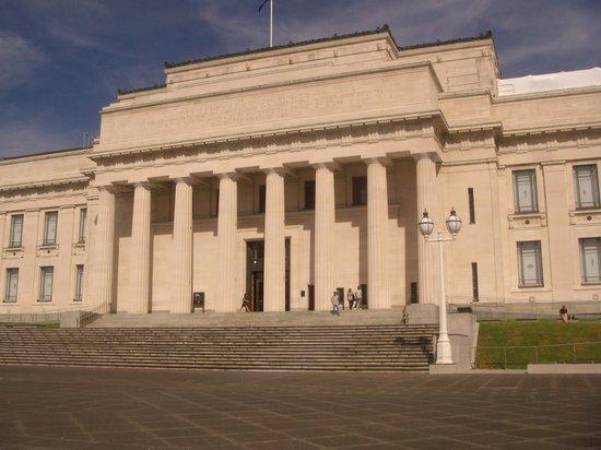 Musée du mémorial de guerre d'Auckland : Just the right size