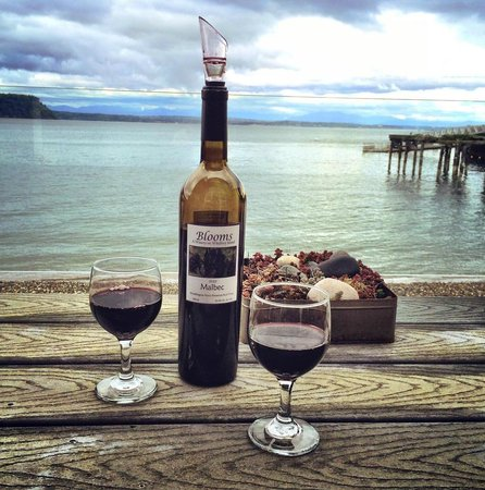 Boatyard Inn: Happy Hour