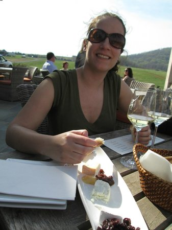 Early Mountain Vineyards: Delicious cheese board