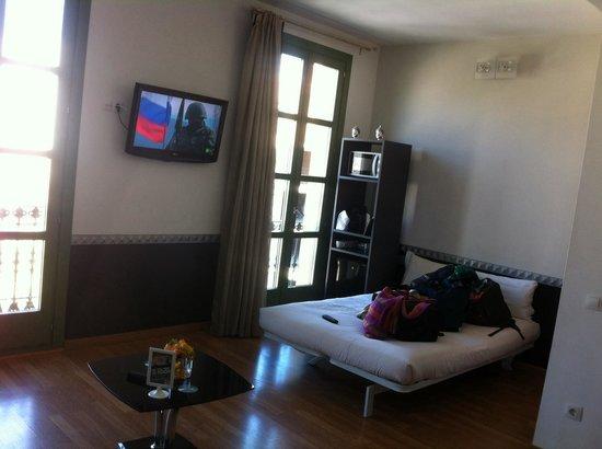 Apartments Hostemplo Suites : Salón (Cama auxiliar)