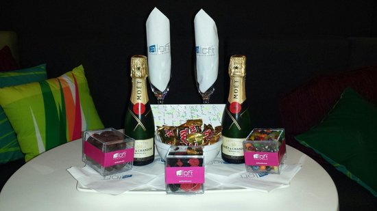 Aloft Miami Brickell: We take care of our Birthday Guest