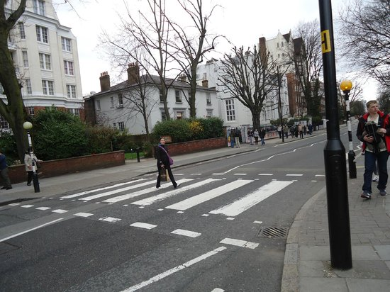 Abbey Road: THe famous walk