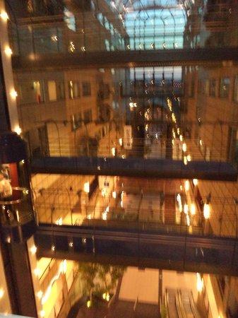 Radisson Blu Scandinavia Hotel, Aarhus: Center Atrium