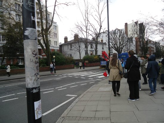 Abbey Road: People gathering