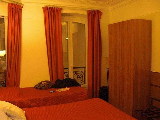 Hotel Marignan: Room