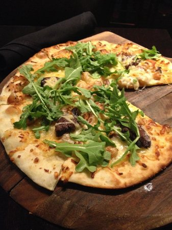 Fresco 21: Hangar Steak Pizza