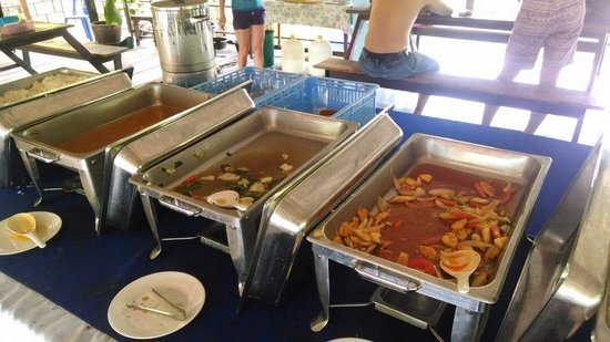Phuket Tours Direct - Day Tours: Food was cold and only scrapes left!