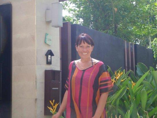 Centara Karon Resort Phuket: Outside Our wonderful Villa
