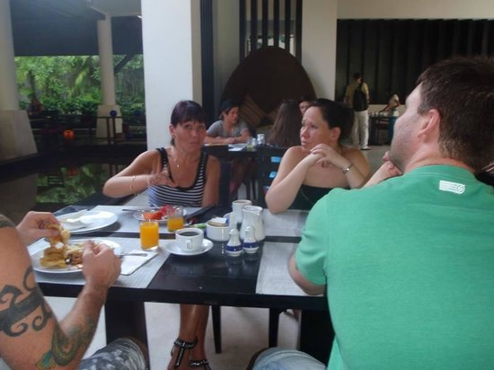 Centara Karon Resort Phuket: Breakfast room
