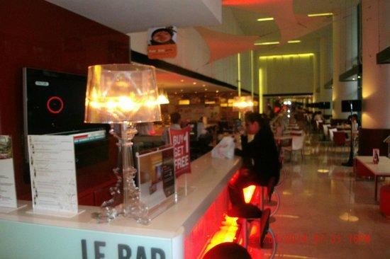 Ibis Singapore on Bencoolen: Le Bar