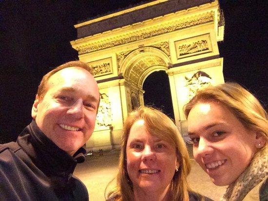 La Maison Champs Elysees: Paris by night