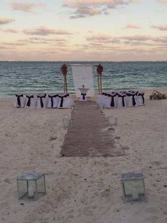 Excellence Playa Mujeres: Our wedding set-up