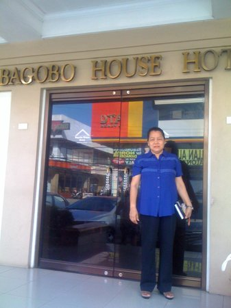 Bagobo House Hotel: the front of the hotel