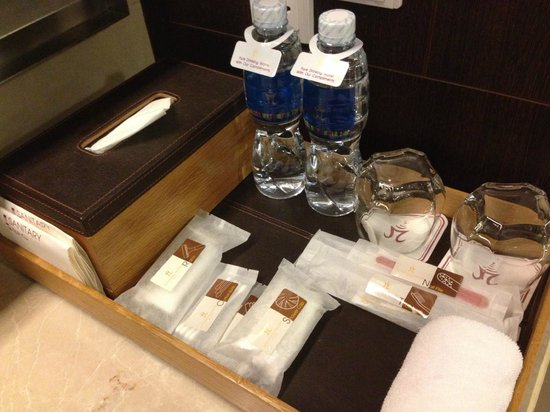 Pathumwan Princess Hotel : Bathroom Goodies