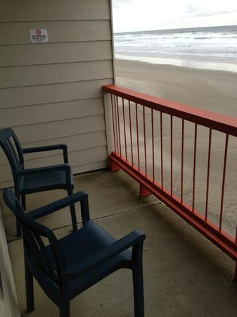 Surftides Lincoln City: Our balcony in rm 306