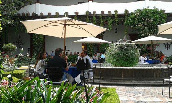 Restaurante Antiguo San Angel Inn : lindos jardines