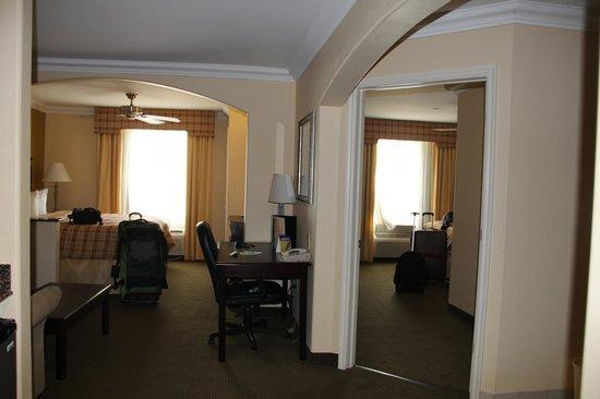 Best Western Plus Barsana Hotel & Suites : Room 301, both rooms