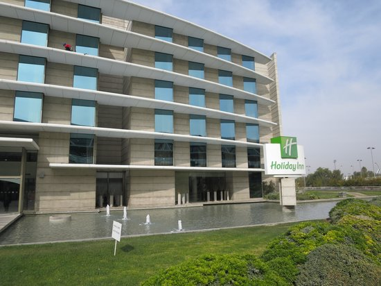 Holiday Inn Santiago Airport: View of the front