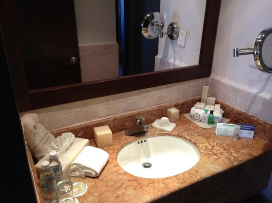 Panama Jack Resorts Cancun: Bathroom