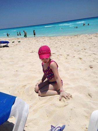 Gran Caribe Real Resort & Spa: Great Beach