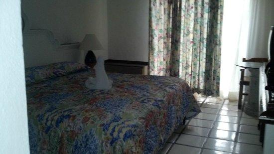 Puerto de Luna All Suites Hotel: Habitación