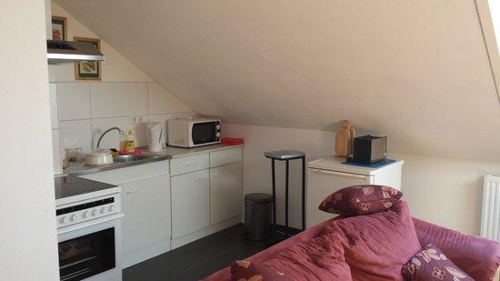 Ferienwohnungen Krauss: living room and kitchen