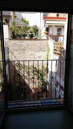 Sant Jordi Gracia Hostel: View from the room