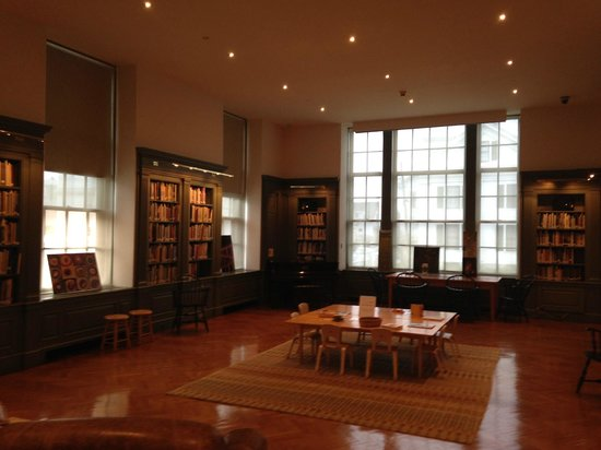 Farnsworth Art Museum: Farnsworth Museum Library