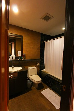 Baan Sukhumvit Inn Soi 18 : washroom