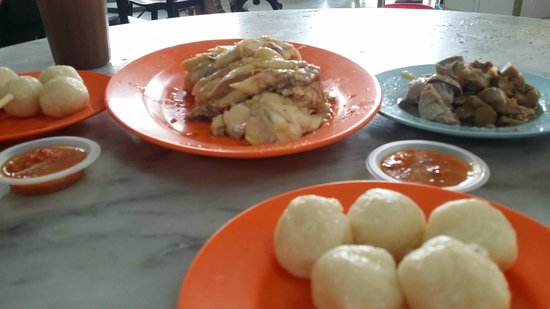 Chung Wah Chicken Rice Ball: two pax portion