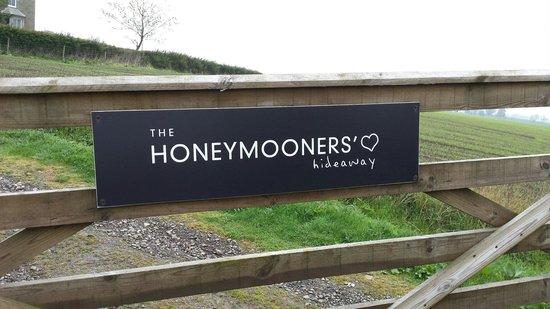 The Hideaway Experience: Honeymooners Hideaway
