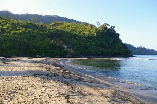 Ricky's Beach House - Authentic Sumatra: plage