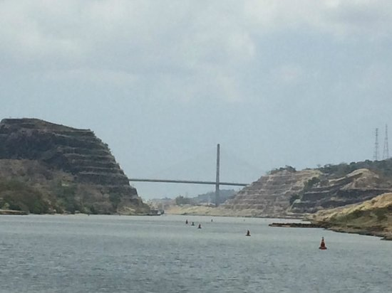 Panama Marine Adventures - Day Tours : Gaillard Cut Bridge