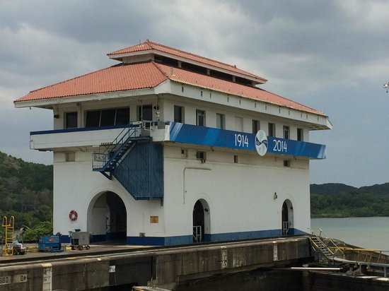 Panama Marine Adventures - Day Tours : The Panama Canal celebrates 100 years! 1914-2014.