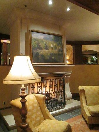 Peller Estates Winery Restaurant : Peller Estate Restaurant Lobby