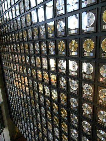 Country Music Hall of Fame and Museum : gold records